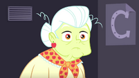 Granny Smith looking flabbergasted at Pinkie SS10