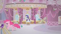 Pinkie Pie races past Rarity S1E10