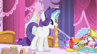Rarity making something new S4E23