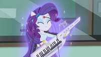 Rarity starts glowing EG3