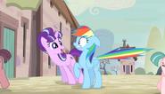 S05E01 Starlight przestrasza Rainbow Dash