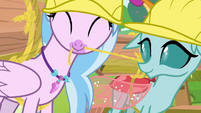 Silverstream and Ocellus working together S8E9