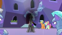 Sombra channeling his dark magic S9E1