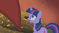 Twilight finds the dragon S1E07