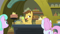 "Grand Pear ""bite into a juicy pear"" S7E13"