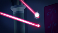 Lasers deflect back at two gems S9E4