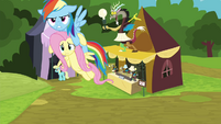 Rainbow carrying Fluttershy away S4E22