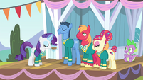 Rarity blowing pitch pipe 1 S4E14