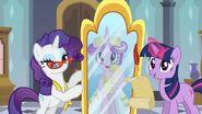 S02E26 Cadance przegląda się w lustrze