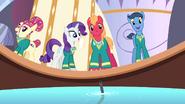 S04E14 Ponytones śpiewają w spa