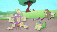 Spike and Gummy with a lot of lists BFHHS2