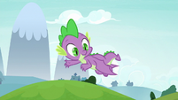 Spike waving down at Twilight S8E24