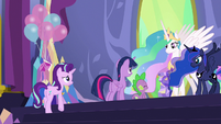 Starlight joins Twilight on the stage S7E1