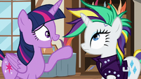 Twilight asks about Rarity's potion mishap S7E19