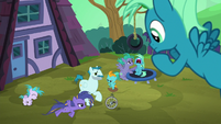 Young Sky Stinger's family ignoring him S6E24