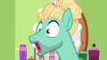 Zephyr Breeze singing excitedly S6E11.png