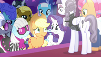 Applejack with all ponies' eyes on her S7E9