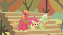 Big McIntosh, Apple Bloom, Granny Smith cheering