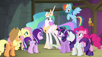 Celestia giving instructions to the ponies S8E7