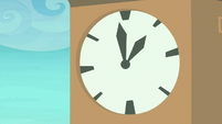 Clock on Ponyville Clock Tower S8E5