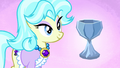Crystal chalice trader and chalice S4E22.png