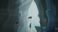 Gilda, Pinkie, and Rainbow falling into the Abyss S5E8