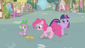 Pinkie Pie looking at the tickets S1E03.png
