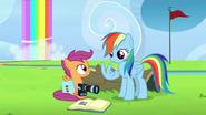 S07E07 Scootaloo uświadamia Rainbow, że powinna docenić wsparcie rodziców