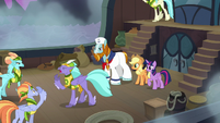Seaspray relays Rockhoof's orders to crew S8E21