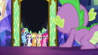 Spike sees Twilight's friends at the door S5E26