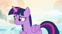 Twilight Sparkle smiling at her parents S7E22