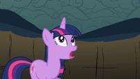 Twilight gets horn back S2E01