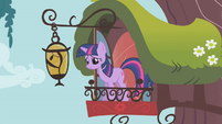 Twilight smiling at Fluttershy S1E07
