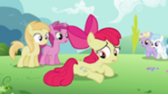 201px-S2E06 Apple Bloom noticing another cutie mark
