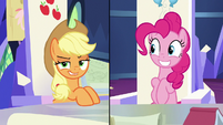 Applejack listening to Twilight Sparkle S9E4