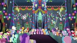 Ponies sing together in the Castle of Friendship S6E8c