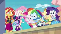 Rainbow Dash rapidly tossing baseballs EGROF