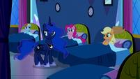S05E13 Księżniczka Luna i Mane 6