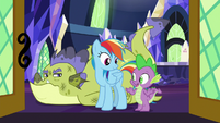 Spike -even dragons need help- S8E24