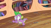 Spike fleeing S2E10