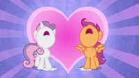 Sweetie Belle and Scootaloo put their hooves down S8E6