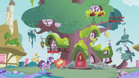 Twilight approaching the library S1E03