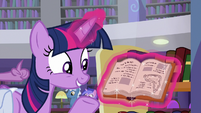 Twilight opens Mooncurve's new book S9E5