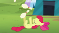 Apple Bloom juggling bowling pins S5E17.png