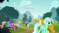 Ponies mingling in Ponyville S8E18