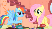 Rainbow Dash points the hoof S1E16