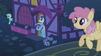 Several ponies come out of their homes S1E06