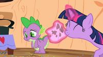 Spike's cheek is wiped S2E10