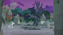 The Pony of Shadows spreads his black wings S7E25