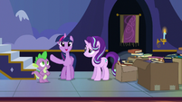 Twilight --keep the new books front and center!-- S6E25